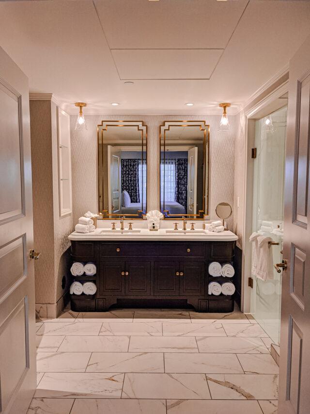 Hotel Carmichael Guest Bathroom