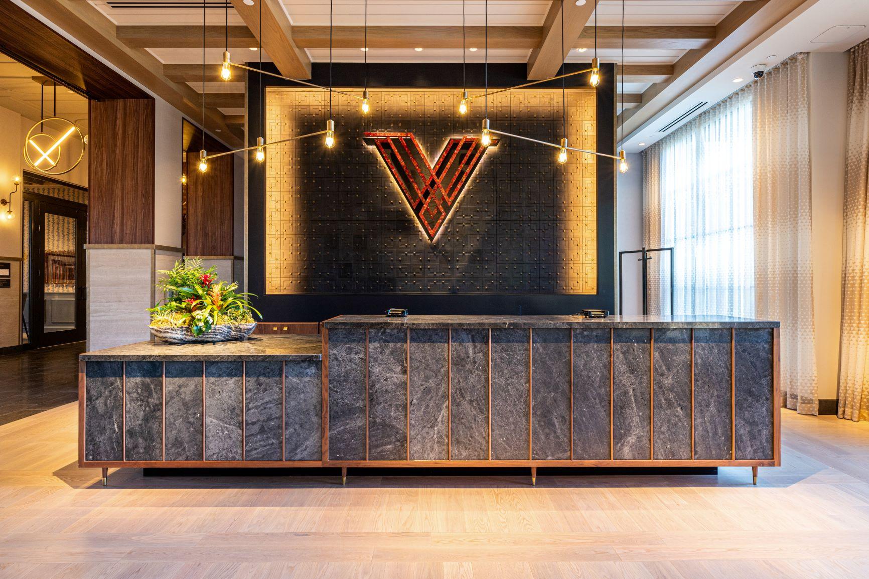 Hotel Vin Front Desk