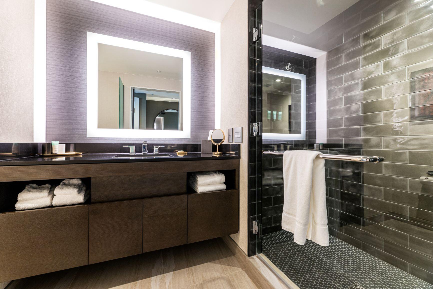 Hotel Vin Guestroom Bathroom
