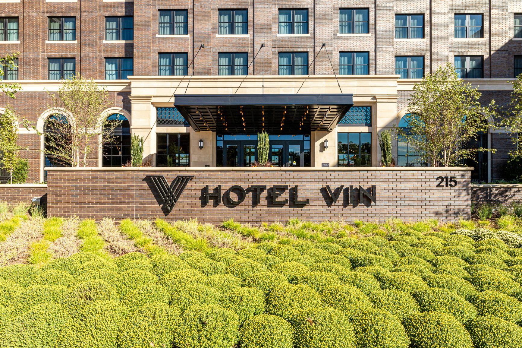 Hotel Vin Entrance