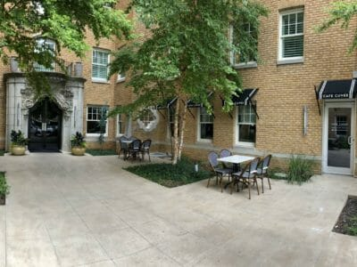 Outside seating at Café Cuvée restaurant Oklahoma City